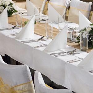 PartyDeco Ubrus - bílý dlouhý 140 x 170 cm