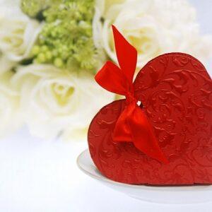 PartyDeco Krabička Srdce červené s mašličkou